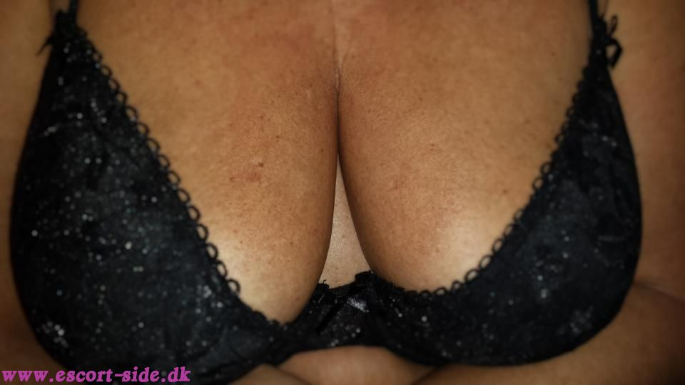 kneppe i det fri side escort