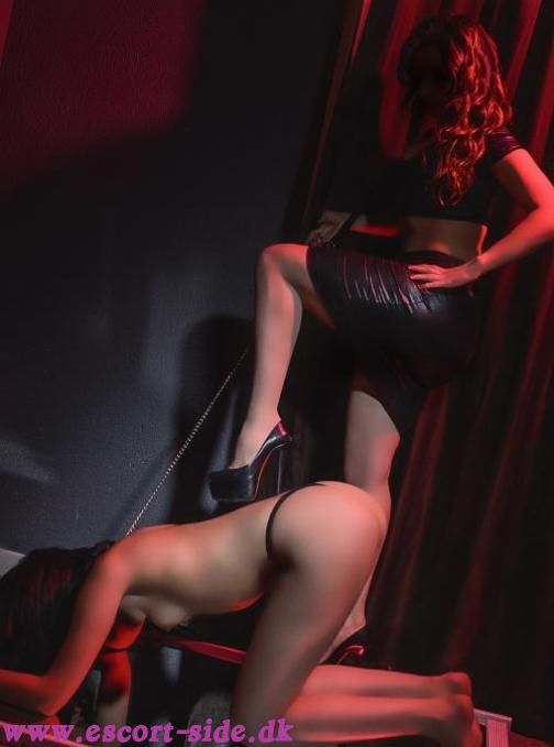 escort dominatrix side 9 massage