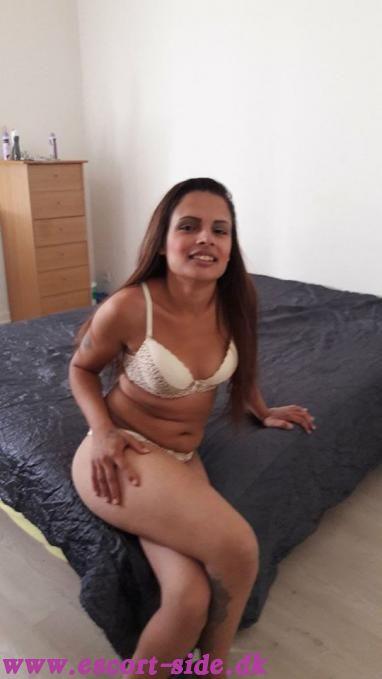 Nude woman photos big breasts
